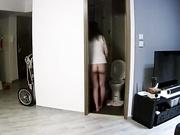 黑客破解家庭摄像头一家三口重点监控年轻貌身材很索的女主人