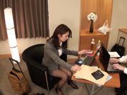 [CLUB-393] 由於公司的錯出差處的飯店成為了同事相間房間 - 1of5