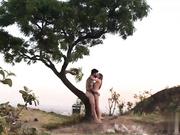 幸福树下野战性感女神