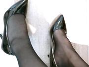 最新爆乳女神『香草少女M』思春的黑丝OL 白衬衫小领带 水晶吊尽跟全入美穴 搔首嘶吟