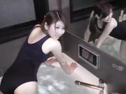 19岁的美裸体白皙大小姐女大学生 上篇