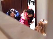廁拍大神潛入某百貨公司員工洗手間盜攝各式美女少婦如廁 雪白大屁股看得讓人欲火焚身 1080P高清原版