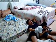 【稀缺資源】居家攝像頭黑客破解拍攝到的眼鏡小夫妻大床上瘋狂愛愛 貌似有點猛啊 720P高清