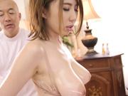 [JUFD-864] 爆乳妻子反复高潮的乳线开发厉害沙龙 藤咲エレン - 2of5