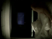 精品酒店电视房偷拍说方言的男女开房啪啪前手机自拍一下这房间的屋顶貌似能看夜空