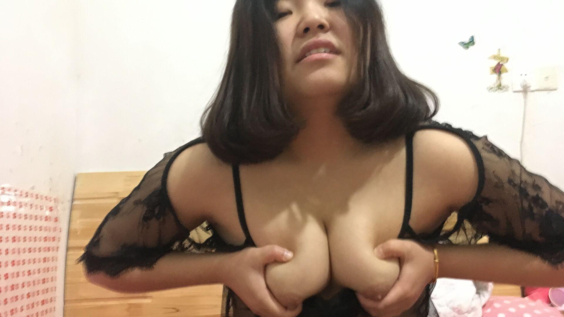 大屁股女友俞阳佳