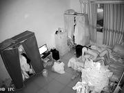 最新黑客破解家庭网络摄像头监控白领小夫妻的夜晚性生活