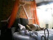 清纯漂亮的长腿美女刚到酒店房间异地男友就迫不及待的要操她,有点害羞跑到洗手间又被拉出来按在床上干!