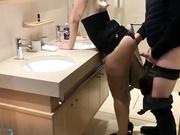 酒店洗浴台后入职业俏佳人丰乳肥臀白虎淫妻