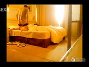 把模特身材女友从床上一直操到地板[天b20140918]