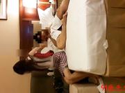 酒店开房轮流干97年南航的上海本地美眉第2部高清无水印骚逼