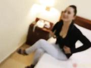 广场上碰到的气质美女太漂亮了,想尽一切办法终于把她骗到宾馆给上了!