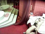 情趣酒店偷拍到的高素質美眉與瘦男友愛愛 從浴缸操到床上