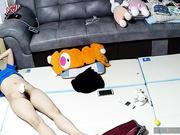 破解家庭网络摄像头,高潮过后幸福的瘫死在地板上