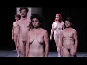 人体美-震憾内心的艺术舞台表演,每个人都很认真