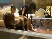 康先生-99年武汉幼教美女小小续集增拍第一部,应富二代和网友要求再次爆操小小,玩着真来劲她男友突然来电话了!