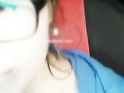 对白有趣戴眼镜萝莉主播勾搭貌似很饥渴的34岁网约车司机车内激情
