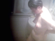 肥婆洗澡偷拍