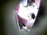 精品小旅馆偷拍年轻情侣开房体验性爱乐趣这男的估计吃药了女的喊累他还没有爽